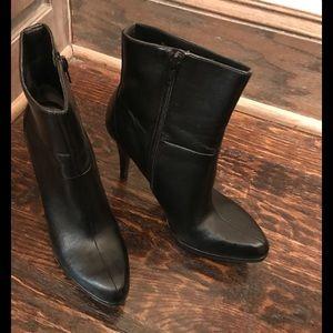 NIne West Black booties size 7.5- like new!